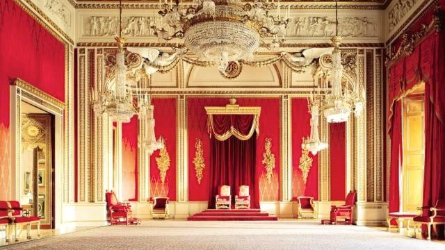 On A 233 T 233 224 Buckingham Palace On A Pas Vu La Reine On