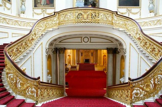 On a t buckingham palace on a pas vu la reine on - Buckingham palace interno ...