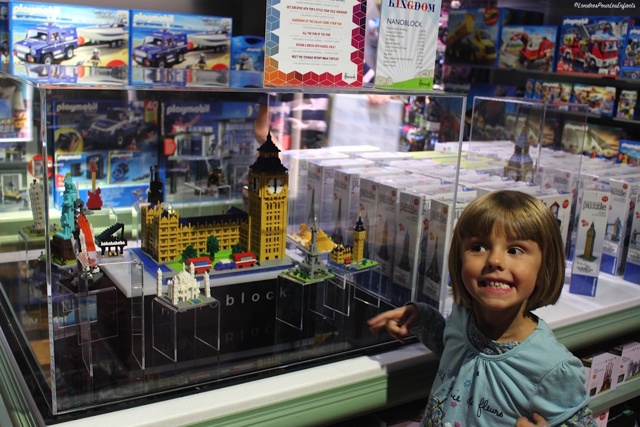 Un city breack londres avec les enfants - Grand magasin de jouet londres ...