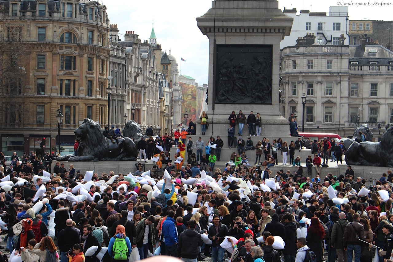 Bataille de polochons à Trafalgar Square