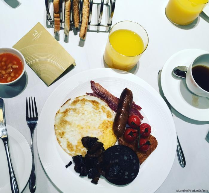breakfast at taj 51 Buckingham Gate suites and residences