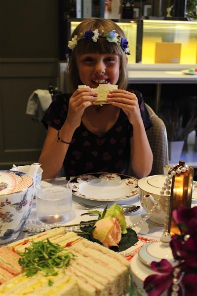 un afternoon Tea in Wonderland au Taj 51 Buckingham Gate