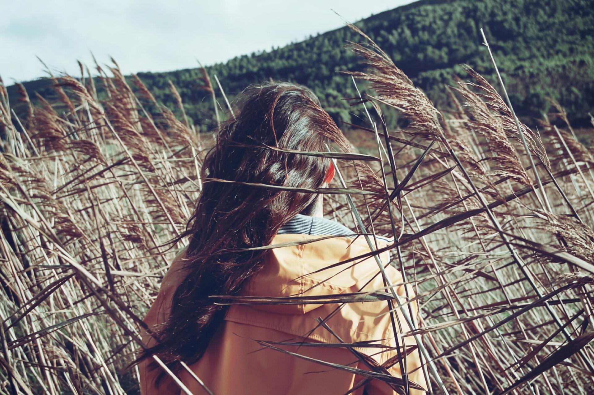 Life of pix free stock photos foat woman back santalla