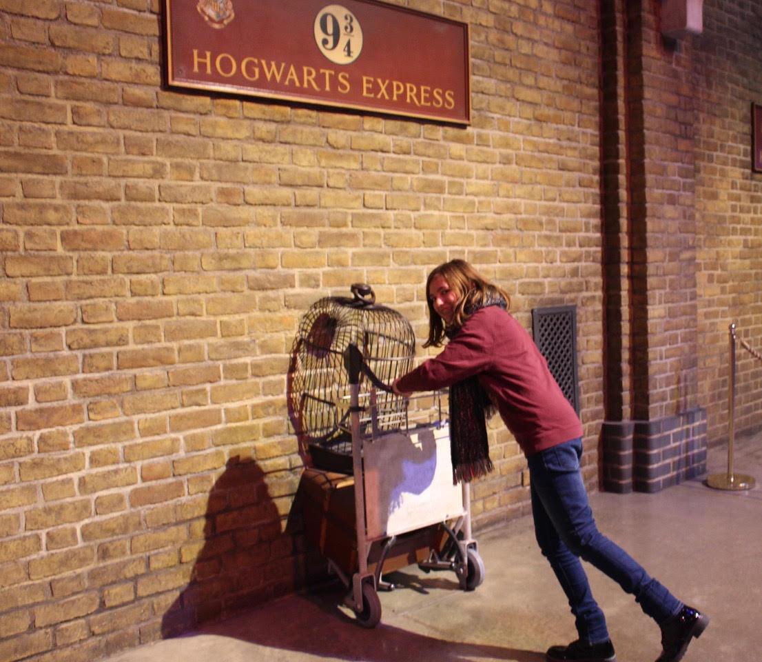 Comment se rendre au Studio Warner Bros en train ?